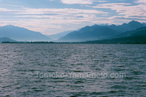 Mountains in Mist, Lake Zurich, Switzerland: Photo of Lake Zurich, Switzerland by Tomoko Yamamoto